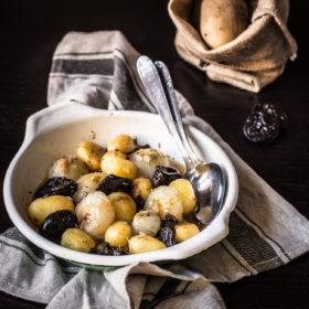 Patate, cipolline e Prugne della California